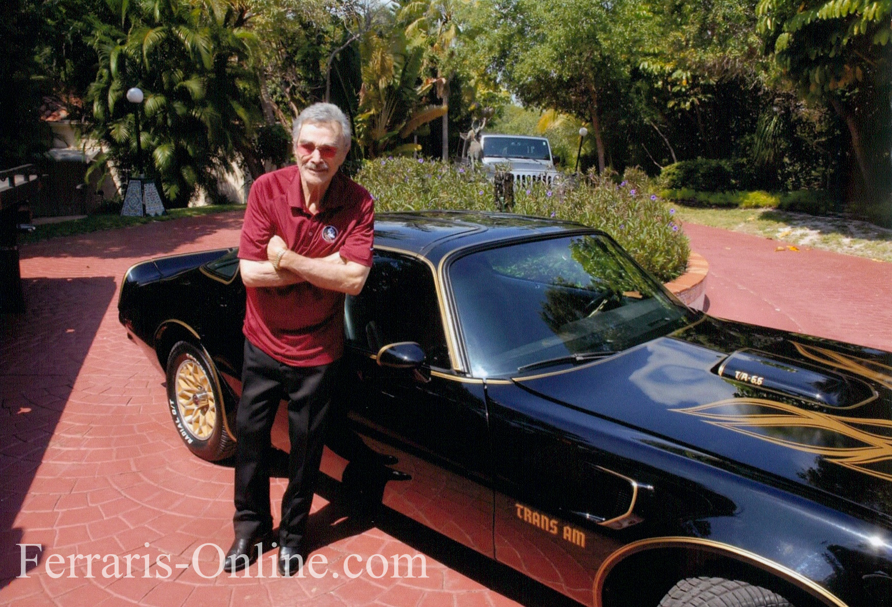 Burt Reynolds, Smokey and the Bandit, 1977 Pontiac Trans Am Y82