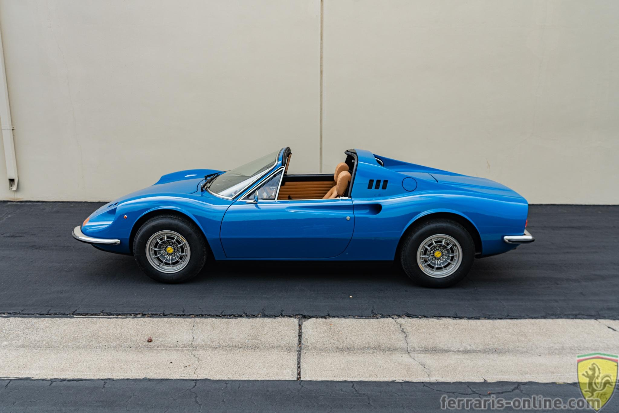 1974 Euro model Ferrari 246 GTS Dino #07574 chairs and flares