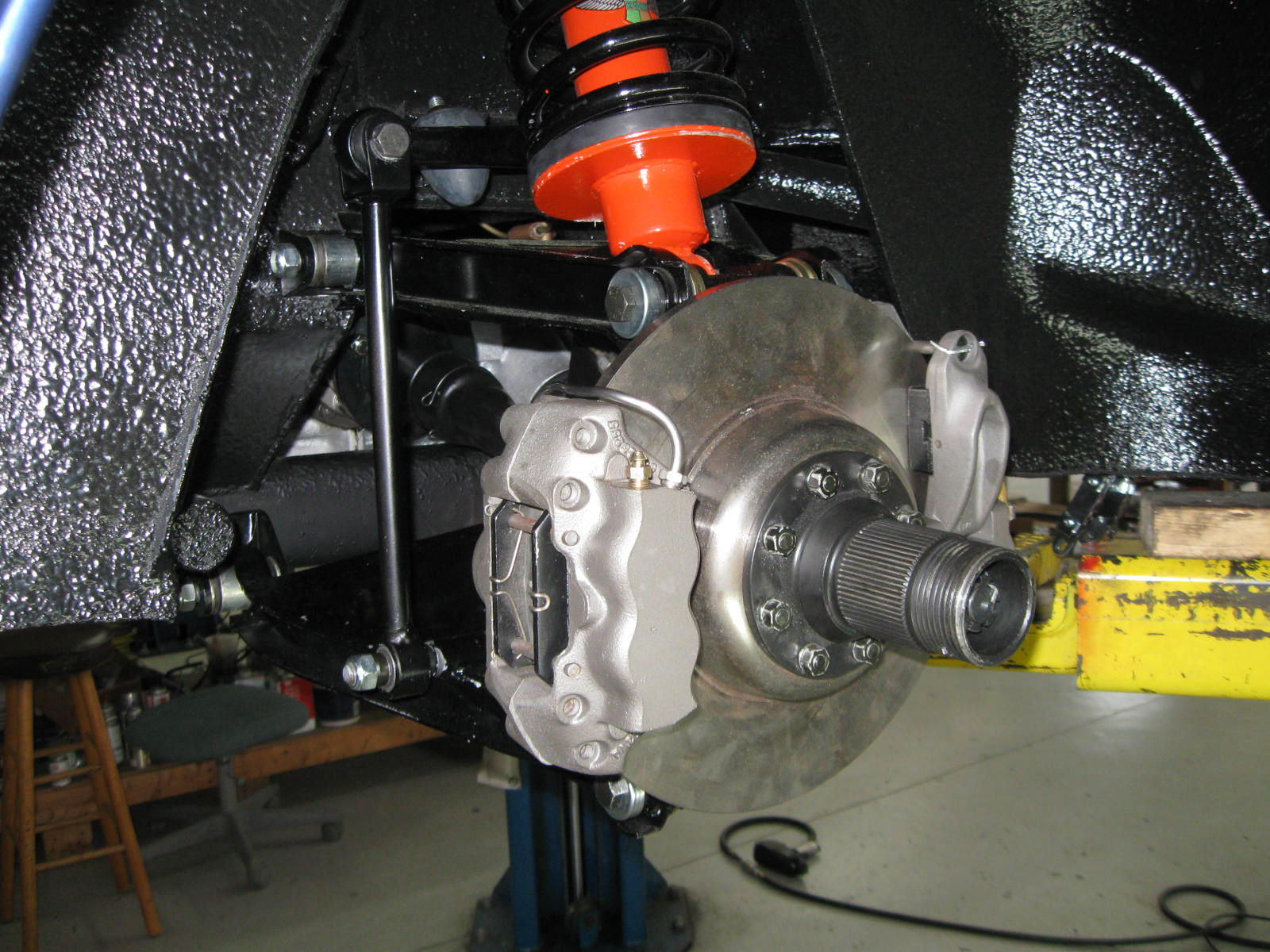 Ferrari 330 GTC brakes