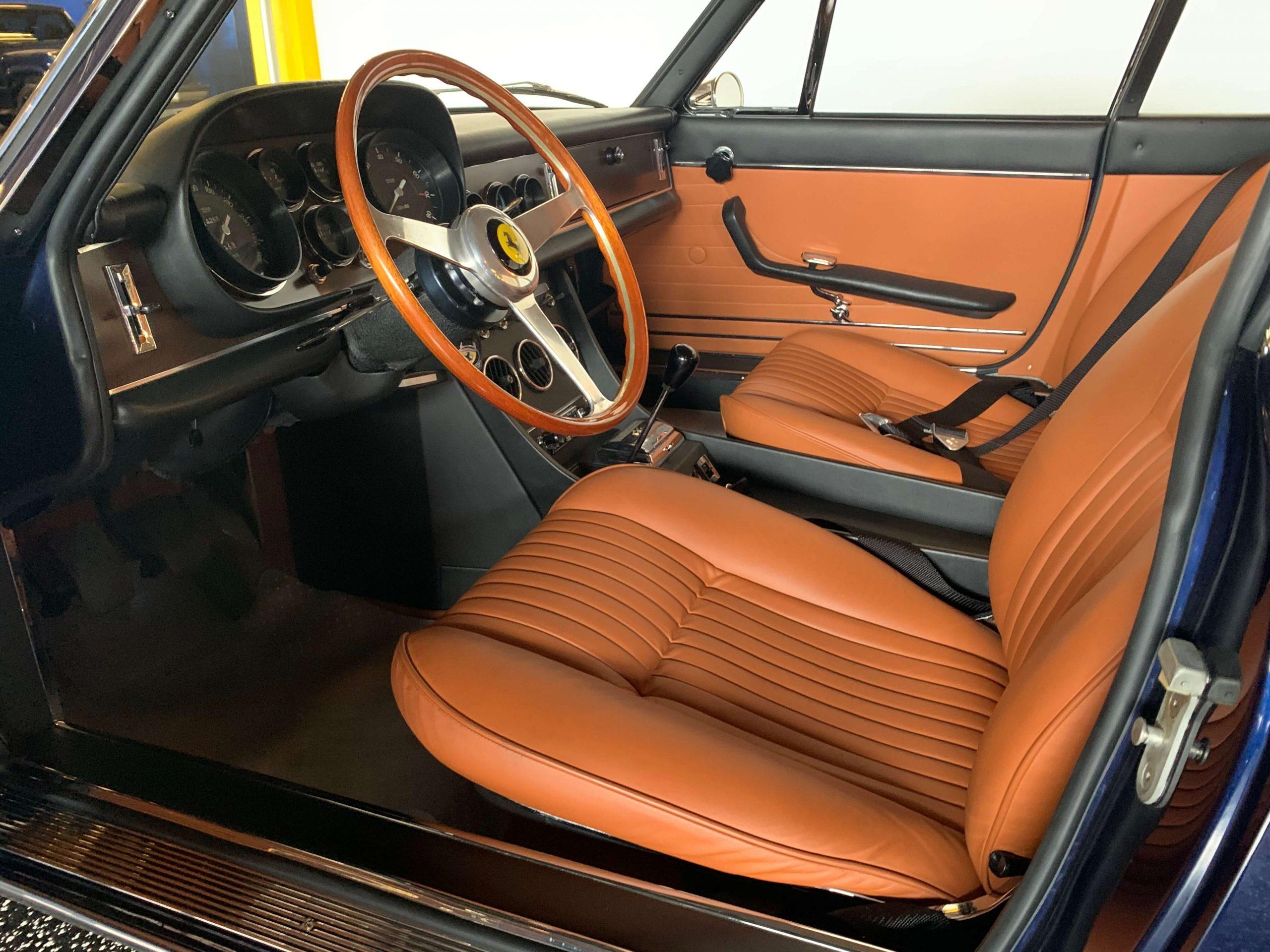 Ferrari 330 GTC Interior from left 2