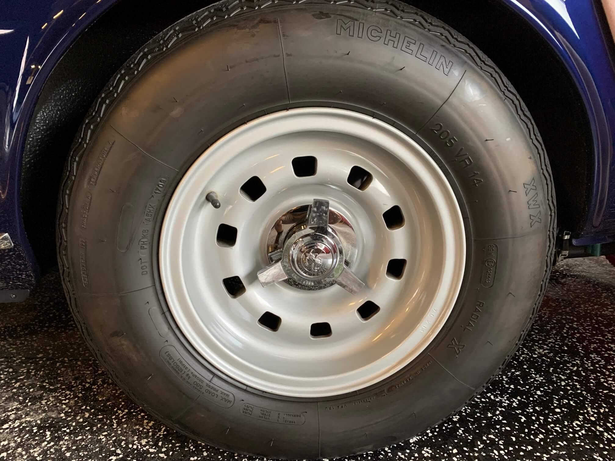 Ferrari 330 GTC Left rear wheel & tire
