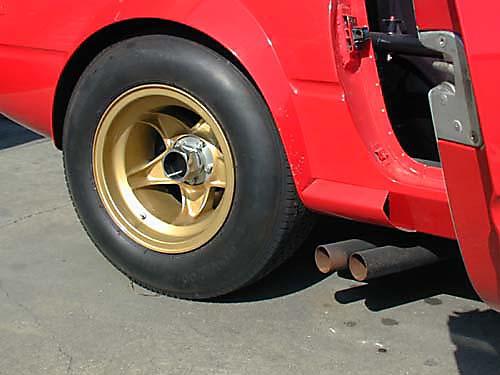 Ferrari 365 GTB4/C Comp Daytona driver rear tire